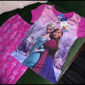 Disney frozen pajamas size 7/8